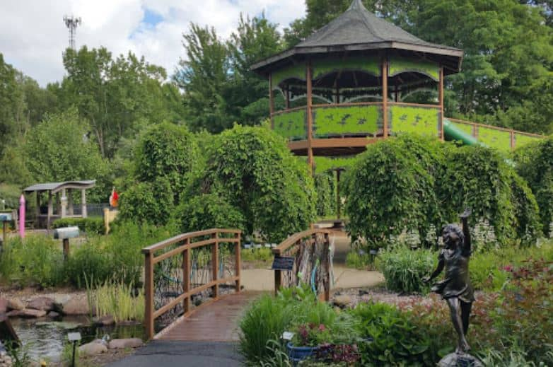 Best things to do in Green Bay, full view of Green Bay Botanical Garden