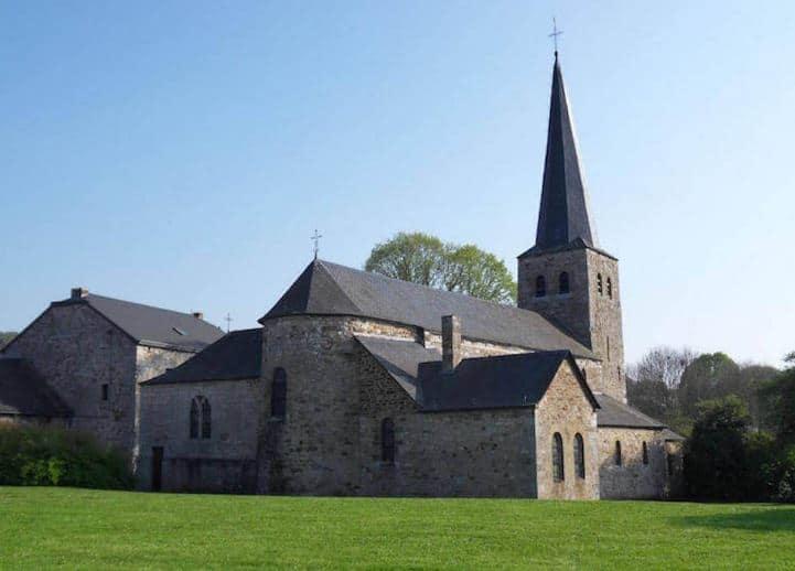 Best Hiking Trails in Wallonia, Belgium, old village of weris