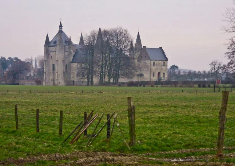 Best Hiking Trails in Flanders Region, Belgium, Vlaanderenroute, Church view in the middle of the field