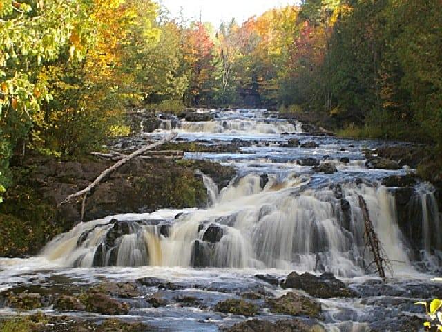 Amazing Waterfalls in Wisconsin, Copper Falls, Mellen