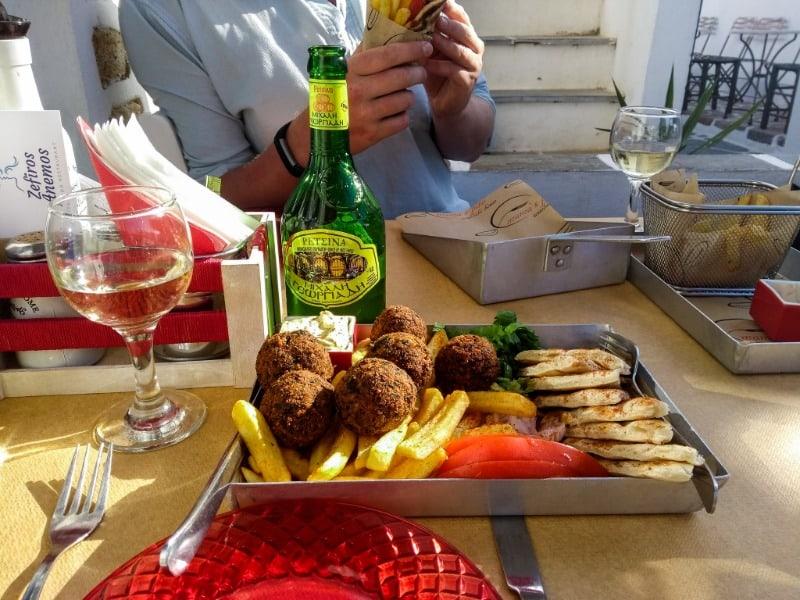 Folegandros lazy lunch