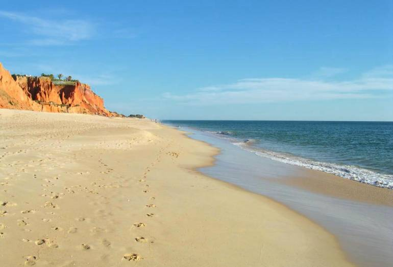 best places for a luxury holiday in Algarve, Praia de Vale de Lobo, Vilamoura
