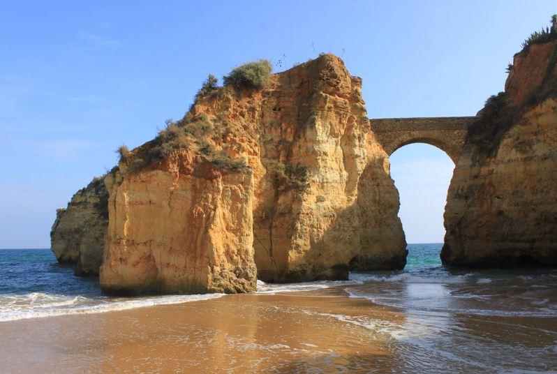 Famous beaches in Algarve, Praia dos Estudantes, Lagos