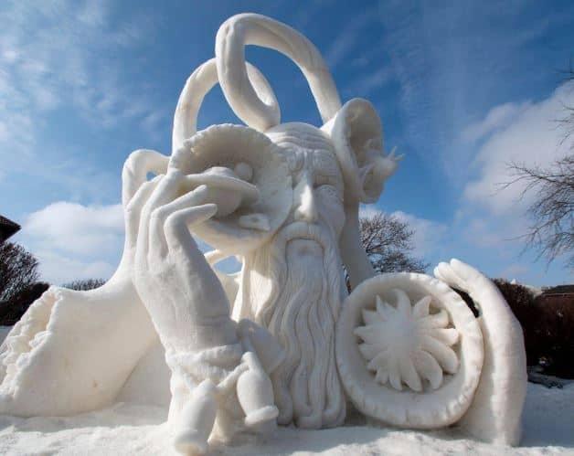 activities to do in winter in wisconsin, winterfest in lake geenva