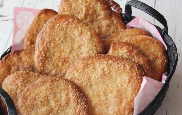 traditional sweet Snacks in spain, Tortitas de aceite