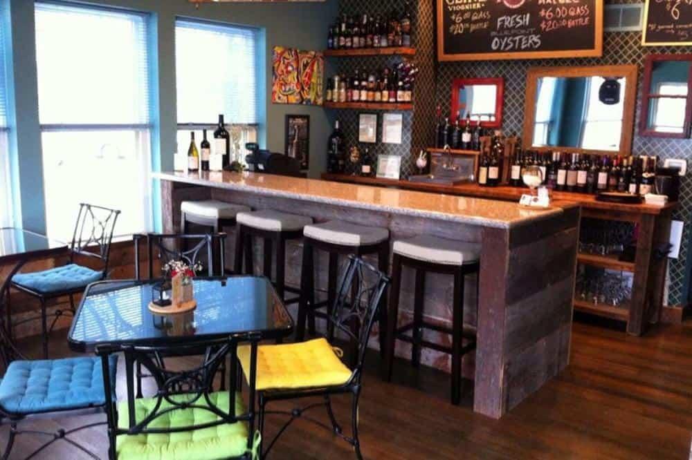 Best bars in Lake Geneva, Inside view of bars
