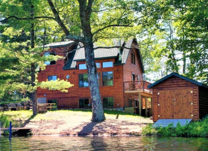 Best Luxury Lake Cabins in Wisconsin, Stone Lake side view of Beautiful Lakefront Cabin