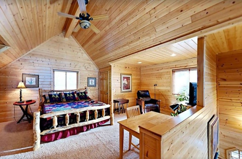Cabins in Northern Wisconsin, Inside view of Lake Home on Lac Courte Oreilles – Hayward