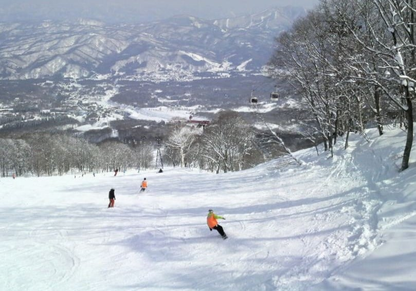 larger ski resorts in Wisconsin Dells, best view of Whitecap Mountains ski resort