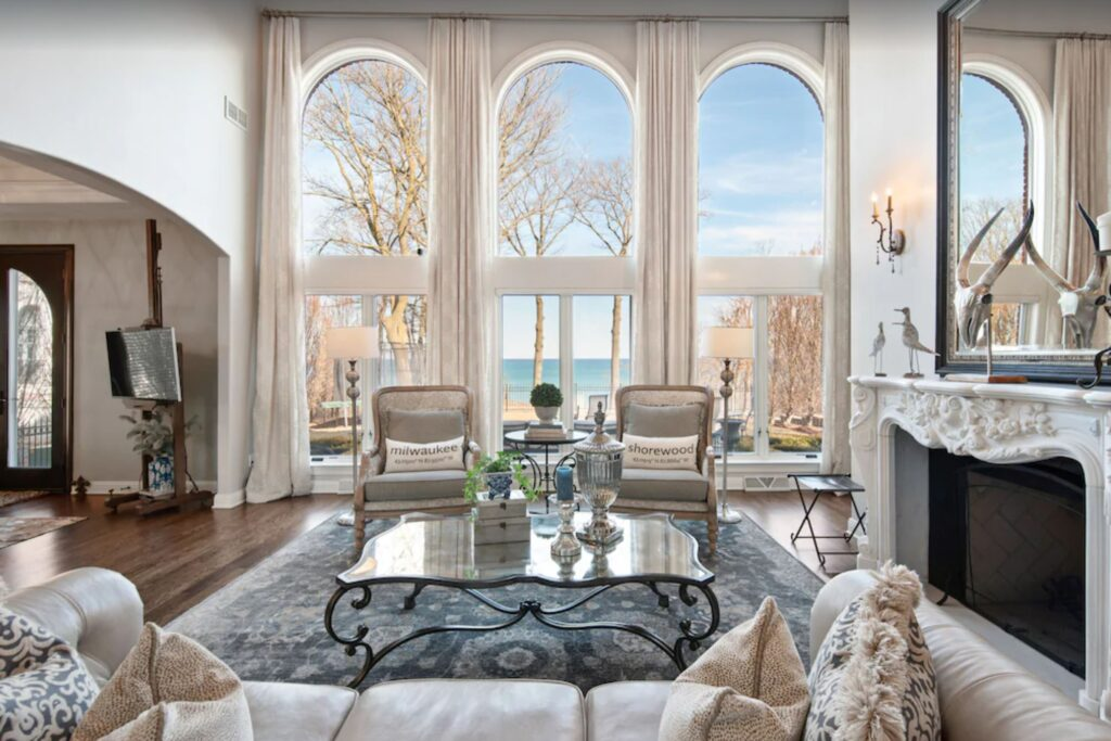 luxury lake house milwaukee