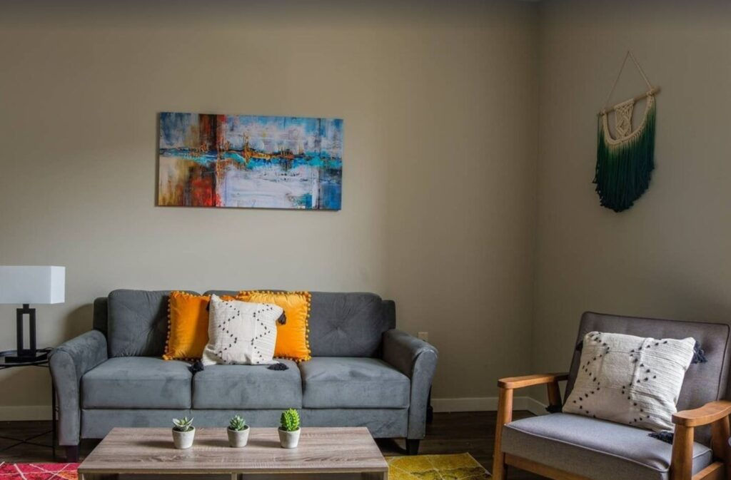 milwaukee airbnb for friends