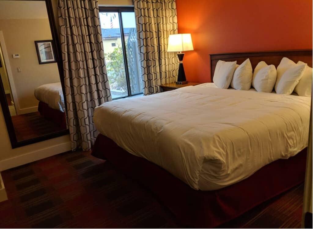 polynesian suites wisconsin dells airbnb