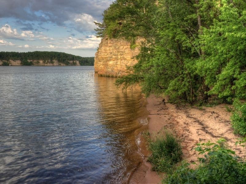 Witches Gulch is a hidden Attraction in Wisconsin Dells, Rent a boat with your sweetheart