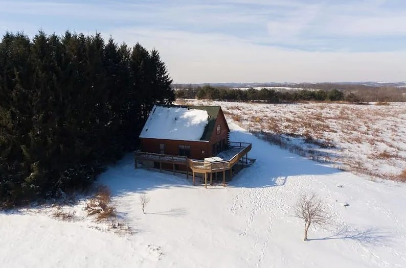 Secluded Hot Tub Cabin in Wisconsin – beautiful winter view of The Pines Cabin