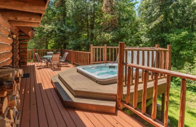 Best Door County Cabin with Hot Tub, Weber kettle grilling, pool, and sitting chair