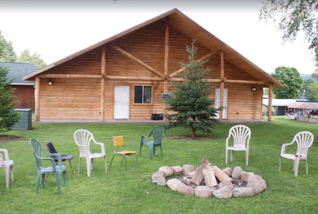 cheap wisconsin cabin with hot tub