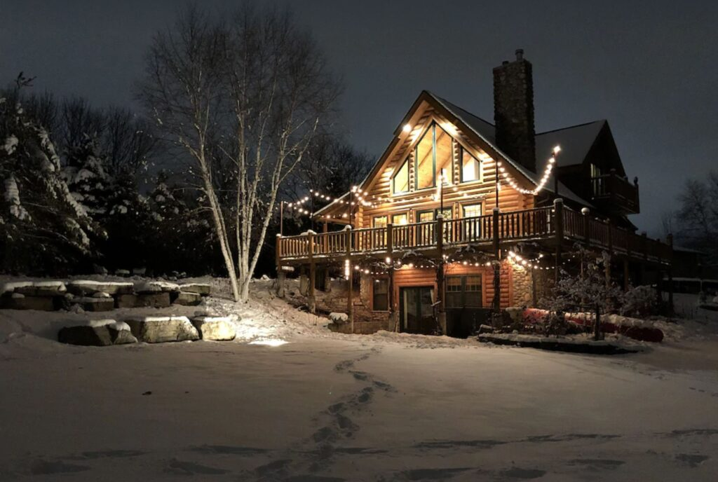 Best Wisconsin Cabin with Hot Tub For Families – front view of Large Cozy Cabin