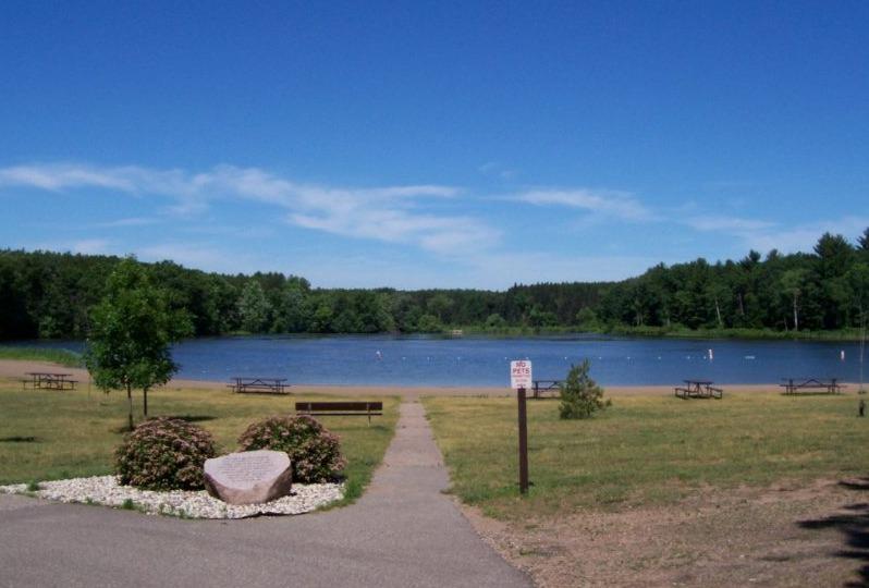 Best mountain biking trails in Wisconsin, lake view of Hartman Creek State Park - Waupaca