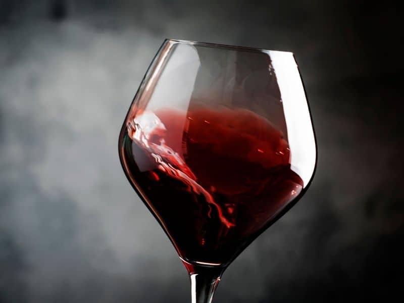 amazing door county wineries, glass of red wine