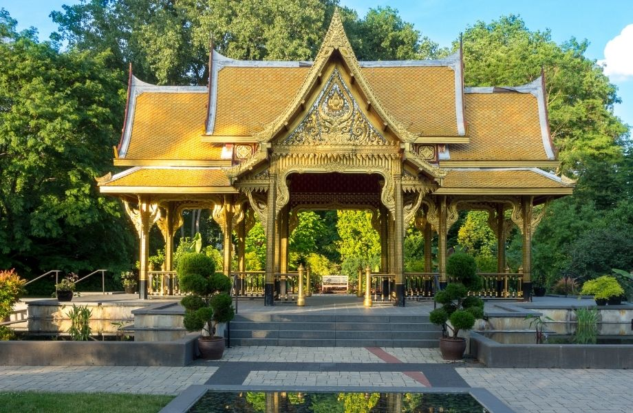Cool outdoor places to visit in Wisconsin, Golden Pavillion at Olbrich Botanical Gardens