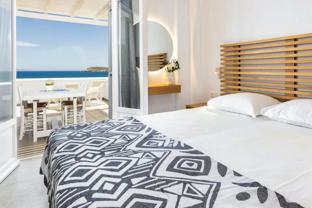 best luxury hotels in Paros, room with a balcony and view at Golden Beach Hotel Paros