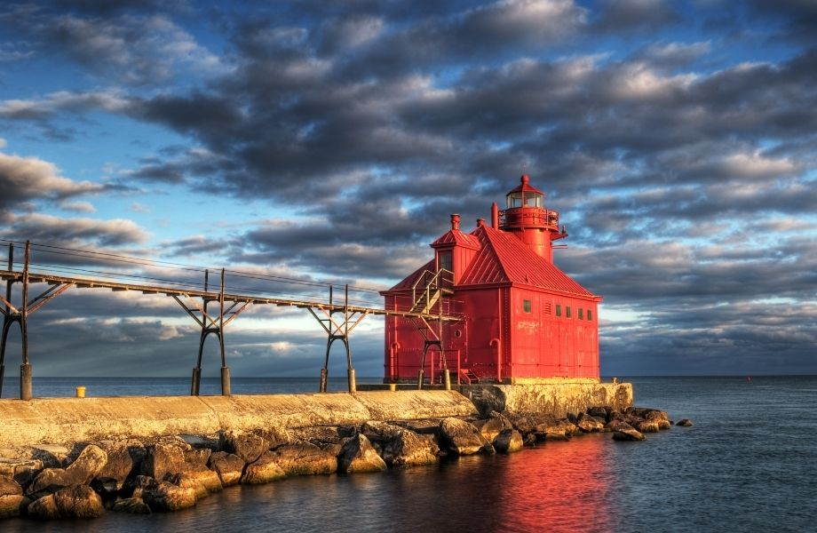 Best Lighthouses in Door County Wisconsin, Sturgeon Bay Lighthouse