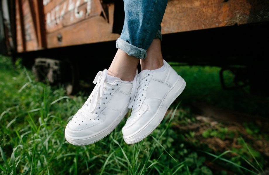 Best ethical shoe companies, person wearing white shoes