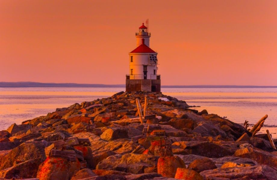 Best lighthouses Wisconsin has to offer, Wisconsin Point Lighthouse at sunset
