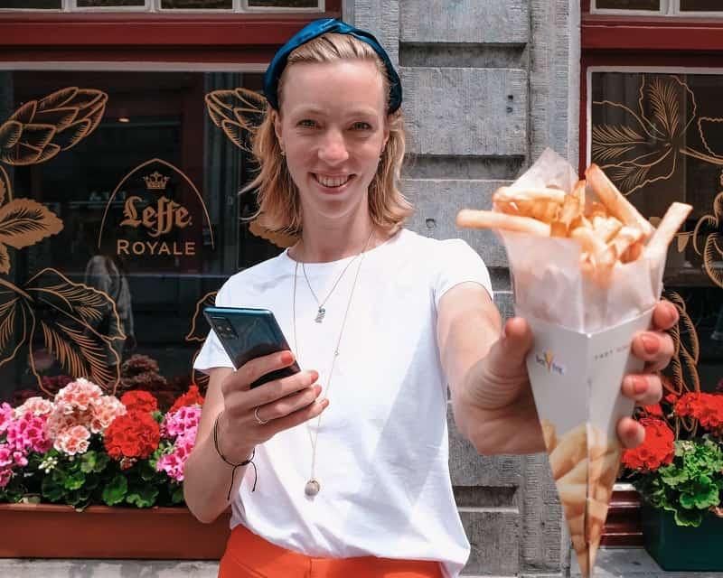 eat fries in belgium bruges