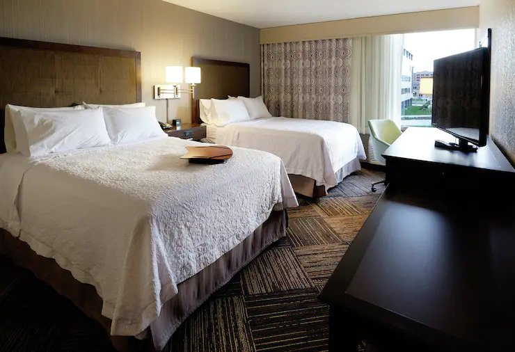 where to stay in green bay, room with a view, two beds and tv at Hampton Inn Green Bay Downtown